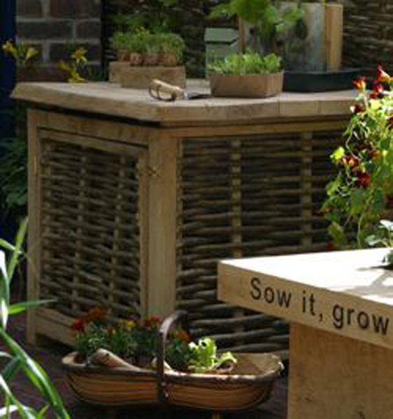 Wattle and greenoak compost bin