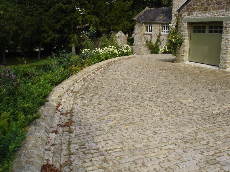 Purbeck stone cobble drive