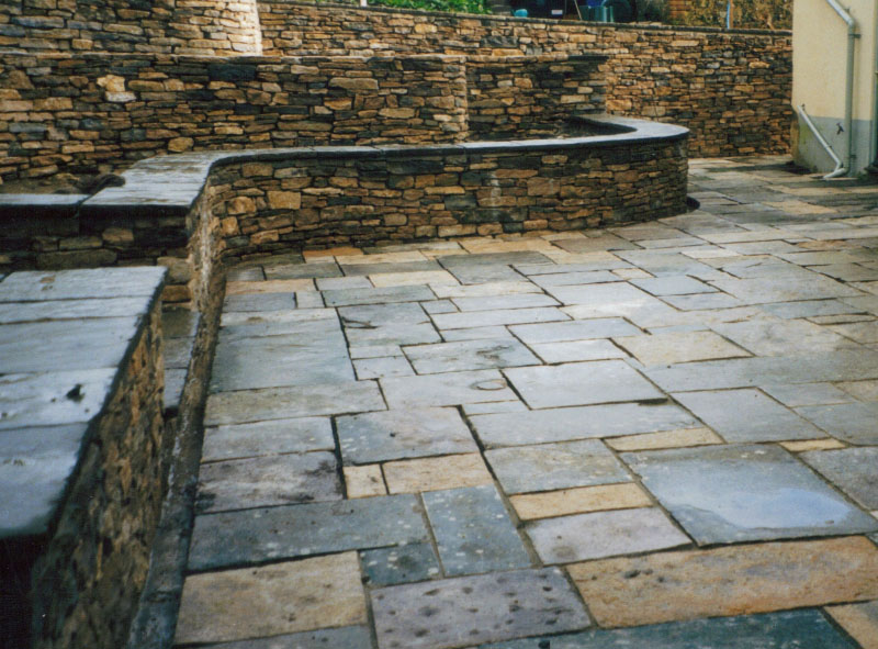 Paving in natural stone